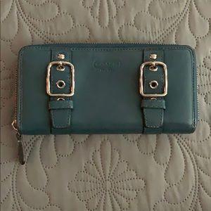 ❤️ Coach zip around wallet